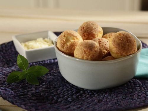 Como-fazer-receita-de-pão-de-queijo-na-air-fryer