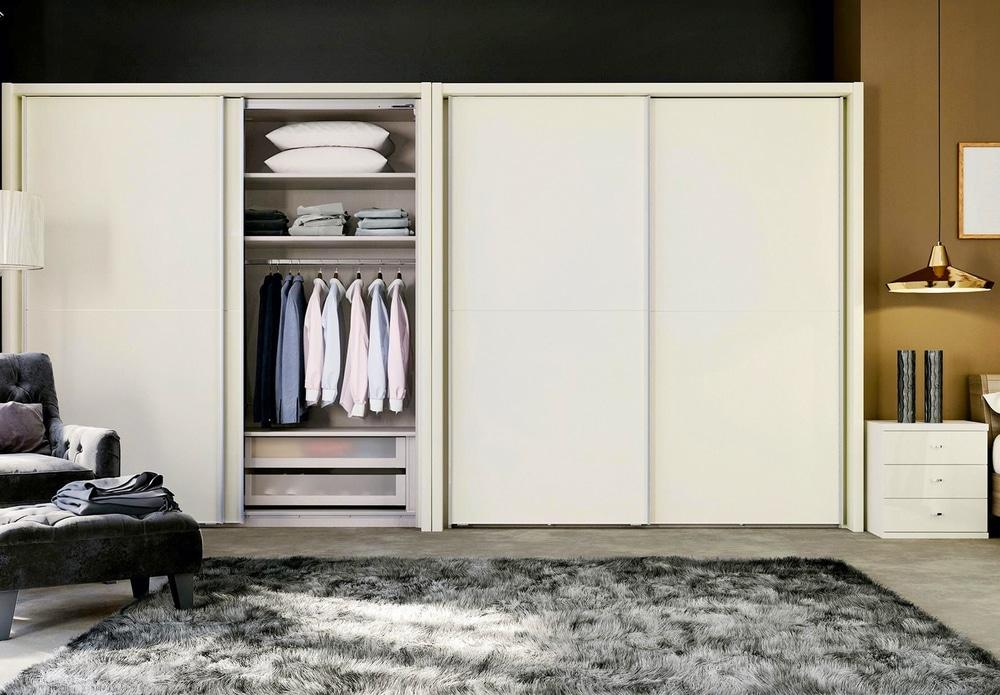 calcule o espaço do guarda-roupa