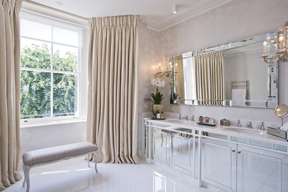 gabinete de banheiro espelhado