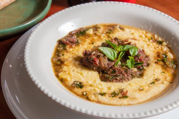 ragu de carne com polenta